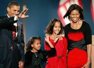 081104-obama-family-hmed-915prp420x4001