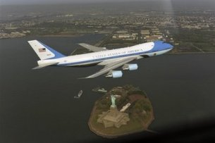 APTOPIX Obama Low Flying Plane