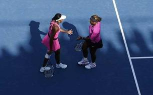 williams_sisters_1474882c[1]