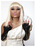 Nicki-Minaj-With-Blonde-Hair-In-Paper-Magazine4